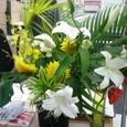いただいた花を机に飾りました